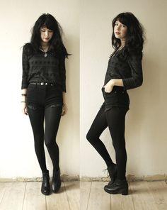 Ideas For Black Boats Outfit Grunge Nu Goth Dark Fashion, Grunge Fashion, Gothic Fashion, Fashion Women, Winter Fashion, Emo Fashion, Steampunk Fashion, Street Fashion, Grunge Outfits
