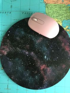 DIY galaxy mouse pad with Astro sign Galaxy Crafts, Diy Galaxy, Diy Mouse Pad, Office Necessities, Galaxy Room, Work Cubicle, Galaxy Theme, Galaxy Pattern, Office Accessories