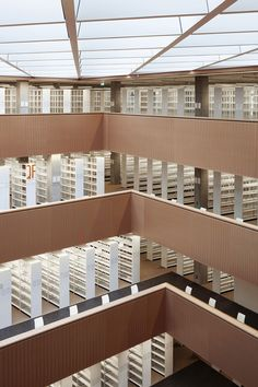 Biblioteca Universitaria y Estatal, Universidad Tecnológica de Darmstadt, Alemania - BSS Architekten - © Thomas Ott