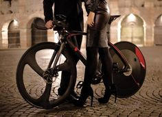 this-urbansports-bike-hybrid-also-has-an-electric-motor