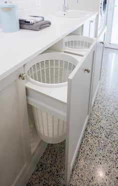 Wäscheecke Laundry Design And Manufacture Modern Laundry Rooms, Laundry Room Layouts, Laundry Room Remodel, Basement Laundry, Laundry Closet, Laundry Room Organization, Laundry In Bathroom, Hidden Laundry, Laundry Room Cabinets