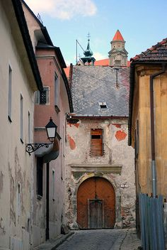 Street in Bratislava, Slovakia. Bósnia E Herzegovina, European River Cruises, Bratislava Slovakia, Montenegro, Living In Europe, Next Holiday, Central Europe, European Travel, Monuments
