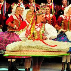 Celebrating the cultural legacy of Poland, this song and dance act features 90 dancers, musicians and singers, and over 1,200 hand-made costumes.