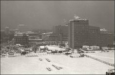 """Berlin am Abend des 14.1.1987 """"Historischer Blick"""" auf Shell-Tankstelle, Foto-Klinke und Bellevue Tower. All dies gibt es nicht mehr. Jetzt nur noch """"Potsdamer Platz"""""""