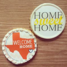 Are your friends moving into a new house? Have new neighbors in your neighborhood? Welcome them home with some 'Home Sweet Home' custom cookies. Fashionably Sweet Treats will work with you to design your custom housewarming cookies. #moving #housewarming #FashionablySweetTreatsCustomCookies