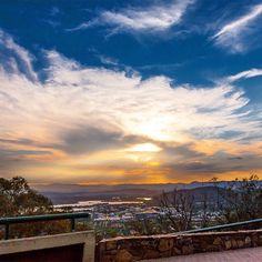 The amazing view down over the national capital from Mount Ainslie was captured perfectly by Instagrammer jolyonbird! #visitcanberra