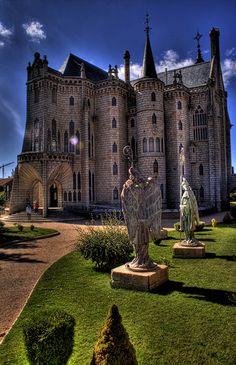 Palacio Episcopal de Astorga, España