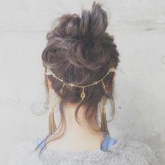 お呼ばれヘアのとっておきアクセとして身に着けたい♡〔バックカチューシャ〕が可愛いブランド4選*にて紹介している画像