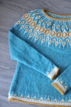 DIY: Knit Telja Pullover by Jennifer Steingass - Kiku Corner Fair Isle Knitting Patterns, Sweater Knitting Patterns, Free Knitting, Norwegian Knitting, Icelandic Sweaters, Pullover, Wool Yarn, Knitting Projects, Free Pattern
