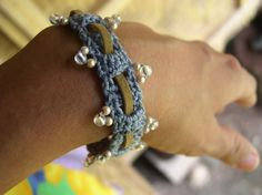 FATIMA CROCHET: Beaded Bracelet with Leather Weave