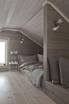 Ideas for design interior loft attic spaces Attic Bedroom Storage, Attic Bedroom Designs, Attic Bedroom Small, Attic Playroom, Attic Design, Attic Bathroom, Attic Spaces, Bedroom Loft, Bedroom Decor