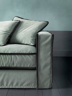 Casamilano - Pilopipe     Contrasting Pipe even makes a slipcover look fab!