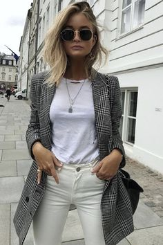 Plaid Pieces to Polish Off Your Spring Look Blazer Maxi Blazer, Blazer Outfits, Casual Outfits, Fashion Outfits, Blazer Fashion, Simple Outfits, Winter Outfits, Sleevless Blazer, Fasion