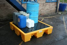 Quality 4 drum spill containment pallet with a removable PE grid.