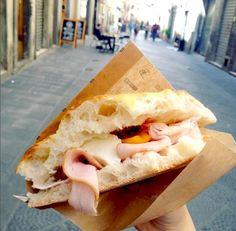 Una #schiacciata per le vie di #Firenze!