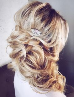 30 Inspiring Wedding Hairstyles By Tonya Stylist ❤ Looking for inspiration to create a gorgeous wedding hairstyle? Get inspired with our collection of wedding hairstyles by Tonya Stylist. Side Hairstyles, African Hairstyles, Gorgeous Hairstyles, Latest Hairstyles, Wedding Hairstyles For Long Hair, Wedding Hair And Makeup, Bridal Hairstyles, Wedding Beauty, Vintage Hairstyles