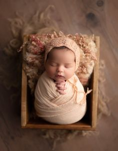 newborn photography birmingham alabama Foto Newborn, Newborn Baby Photos, Newborn Posing, Newborn Photo Props, Newborn Pictures, Newborn Session, Baby Girl Newborn, Baby Pictures, Family Pictures