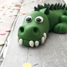 Crocodile cake topper for a jungle themed cake #etsycaketoppers #crocodilecaketopper #animalcaketopper Sugar Decorations For Cakes, Baby Shower Decorations, First Birthday Cakes, Birthday Cake Toppers, Crocodile Cake, Sloth Cakes, Giraffe Cakes, Cake Models, Sugar Cake