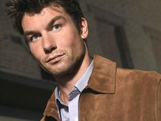 "Oh, Jerry O'Connell. You'll always be Quinn Mallory to me. Bryant Engel Butler I miss talking about ""Sliders"" with you! Hot Actors, Actors & Actresses, Gorgeous Men, Beautiful People, Pretty People, Crossing Jordan, Jerry O'connell, Herman Munster, Falling In Love With Him"