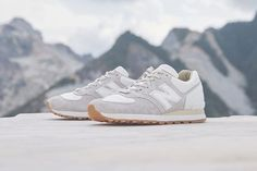 Baskets New Balance 575 X END #sneakers #streetwear #allwhite #clean #whitekicks #shoes #baskets