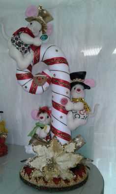 Christmas Balls, Christmas Themes, Holiday Crafts, Christmas Holidays, Holiday Decor, Creative Crafts, Diy And Crafts, Snowman Crafts, Xmas Ornaments