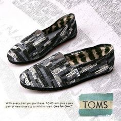 Toms Shoes Men In Black Bottom Colour With Letters