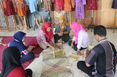 Pelatihan Anyaman Mendong |  Kerjasama Disperindag&ESDM Kab.Jember dengan BBKB |   Juni 2015