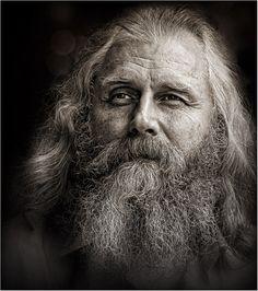 *****. Снимок НЕпостановочный. Спонтанный уличный портрет... #годы #жизнь #старость #мудрость #свет #взгляд Автор: Ms Tatyana Forever