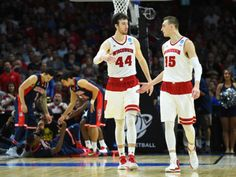 As Wisconsin Badgers and first-round draft picks, NBA rookies Frank Kaminsky and Sam Dekker will be compared in a lot of ways. The most important: Whos better at Twitter