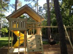 How to Build DIY Wood Fort and Swing Set Plans From Jack's Backyard. Learn how to build your own backyard wooden Gemini playset with do-it-yourself swing set plans and save money. Backyard Fort, Backyard Playset, Backyard For Kids, Playset Diy, Wooden Playset, Wooden Swing Set Plans, Build A Swing Set, Diy Swing, Kids Indoor Playground