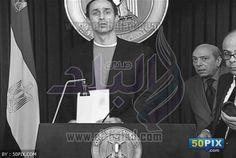 """لاول مرة بالصور....علاء وجمال مبارك وأنس الفقي يلقنون """"مبارك"""" ما يقول في خطاباته"""