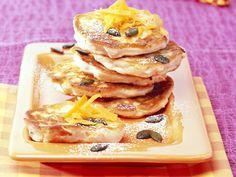 Süße Kürbis-Pancakes | Kalorien: 363 Kcal - Zeit: 1 Std.  | http://eatsmarter.de/rezepte/suesse-kuerbis-pancakes