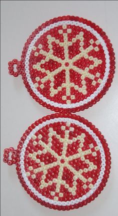 Christmas baubles hama beads by mamanpasseulement