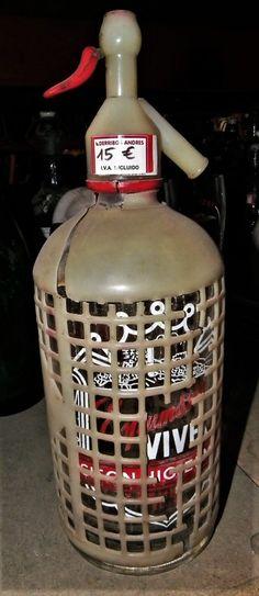 Antigua botella de sifón, de la embotelladora Espumosos Vives.  Ref: R0379 P.V.P 15€  Hazte con ella Haciendo click aquí!!