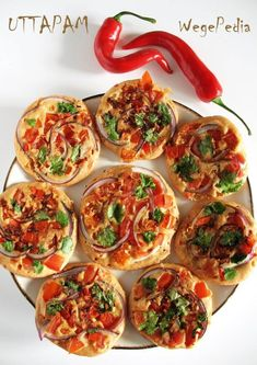 Uttapam przepis na indyjskie placki z ryżu i soczewicy Clean Recipes, Cooking Recipes, Vegetarian Recipes, Healthy Recipes, Appetisers, Food Inspiration, Appetizer Recipes, Food And Drink, Yummy Food