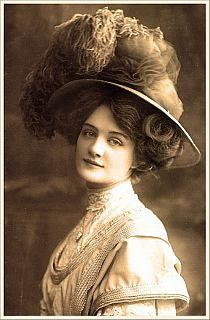 http://img1.stylowi.pl//images/items/s/201311/stylowi_pl_fotografia_woman-with-hat--portraits_14214478.jpg