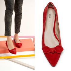 Women's shoes :: Distressed flats with a pointed toe, slight cut out and a tied bow