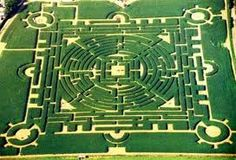 The Labyrinthus at Rue Basse Commène in Barvaux-sur-Ourthe, is a great place to visit for old and young alike. The site of the Labyrinths is a series of hedges that creates a maze—a maze that is altered every year. Great Places, Places To See, Beautiful Places, Luxembourg, Places Around The World, Around The Worlds, Labyrinth Maze, Ardennes, Tourist Information