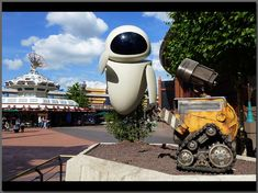 WALLE-E and Eve in Discoveryland