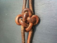 Knot tutorial: Text is in French. But, the pictures are very detailed.