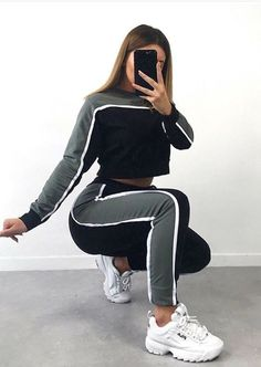 59 Business Outfits To Copy Today Adorable Adorable Street Style Ideas from 59 Business Outfits collection is the most trending fashion outfit this winter. This Beautiful[. Teen Fashion Outfits, Mode Outfits, Sport Outfits, Girl Outfits, Hiking Outfits, School Outfits, Fashion Clothes, Mode Adidas, Mode Bcbg