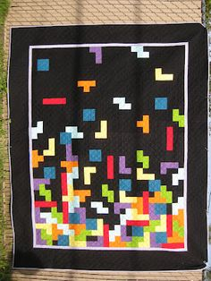 Fufettius Quilts: Tetris quilt inspiration - no tutorial but a brilliant quilt with great photos Quilt Festival, Quilting Blogs, Quilting Designs, Quilting Ideas, Diy Craft Projects, Sewing Projects, Craft Ideas, Sewing Ideas, Fabric Crafts