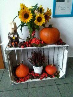Kącik jesienny Autumn Crafts, Autumn Art, Christmas Crafts For Kids, Thanksgiving Decorations, Halloween Decorations, Diy And Crafts, Arts And Crafts, Autumn Activities, Pumpkin Decorating