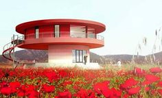 Sunhouse which can turn a full circle, is billed as the first intelligent rotating house. Circular Buildings, Unusual Buildings, Luz Natural, Sustainability Projects, Circle House, Round Building, Ultra Modern Homes, 360 Design, Dome House
