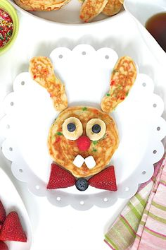 Make Easter morning extra special with these adorable and delicious Bunny Pancakes! So much fun to make and so much yum to eat! Easter Recipes To Make, Holiday Recipes, Holiday Ideas, Oatmeal Bites, Ice Cream Bites, Chocolate Chip Ice Cream, Easter Treats, Easter Food, Easter Brunch