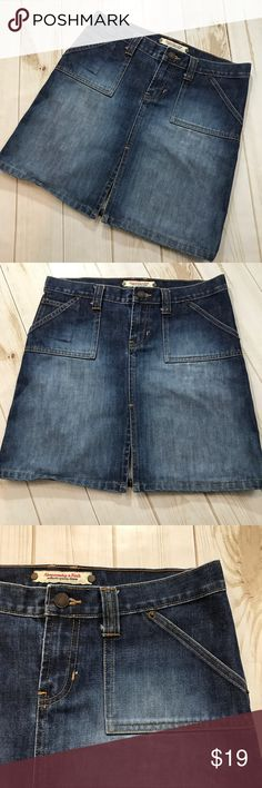 ABERCROMBIE & FITCH Denim Blue Jean Mini Skirt, 2 ABERCROMBIE & FITCH Denim Blue Jean Mini Skirt Women's Juniors size 2.   Fantastic preowned condition! Top to bottom hem is approx 16 1/2 inches.   Please be sure to check out all of my other items, same day or next business day Shipping guaranteed one paid. Abercrombie & Fitch Skirts Mini