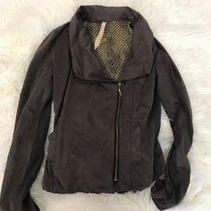 Hem & Thread Jacket Hem & Thread Jacket.  Gorgeous brown microfiber like feel, with silky contrast print inside.  This is the softest most comfy jacket ever! Runs smaller than L Hem & Thread Jackets & Coats