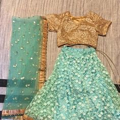 Designer Indian Traditional Golden Dupatta Chunni Stole Scarves embroiderd Net for Lehenga Suit Salwar Kameez for Women and Girls Party Wear Party Wear For Women, Girls Party Wear, Party Wear Dresses, Lehenga Suit, Party Wear Lehenga, Bridal Lehenga Choli, Indian Dresses, Indian Outfits, Golden Dupatta