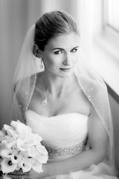 Beautiful bridal portrait by Pennsylvania based wedding photographer Sean Marshall Lin Photography | junebugweddings.com
