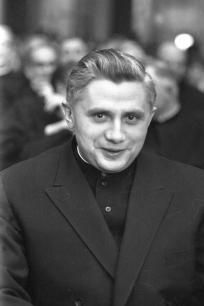 Good Article- The Future of the Church according to Pope Benedict Catholic Blogs, Catholic Memes, Juan Pablo Ii, Pope Benedict Xvi, Pope John Paul Ii, Culture War, Believe In God, Pope Francis, Religious Quotes